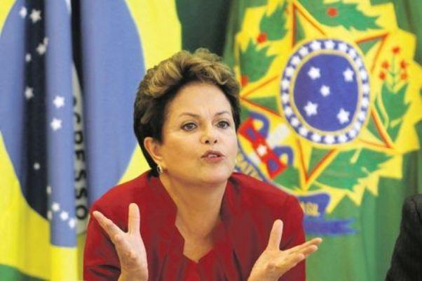 Presidenta sanciona lei que torna crime discriminar pessoas com Aids