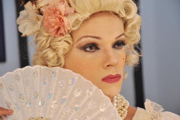 Rainha Loulou chega absoluta com seu musical Vogue