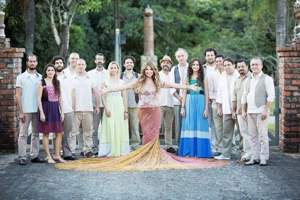 lba Ramalho com toda a equipe do projeto Cordas, Gonzaga e Afins (Foto: Alex Ribeiro/Divulgação)