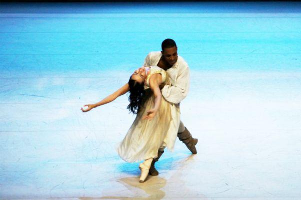 Romeu e Julieta_SPCD_dançarinos Aline Campos e Nielson Souza_foto Marcela Benvegnu_2_S