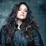 Ana Carolina faz show neste sábado (27), no Bahia Café Hall