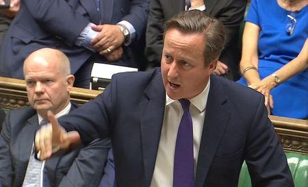 Premiê britânico David Cameron em fala no Parlamento, em imagem congelada de vídeo