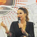 """""""Sou a favor da adoção por casais homossexuais"""", afirma Cláudia Leitte em coletiva do Festival de Verão; assista ao vídeo"""