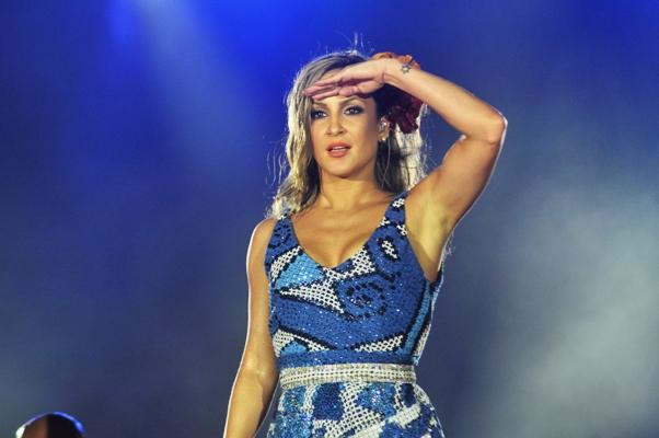Kesha e Claudia Leitte dividem as atenções em noite ainda com Rappa, Capital e sambistas