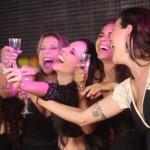 """Espetáculo adulto """"As Perigas"""" leva teatro para famoso bar no Rio Vermelho"""