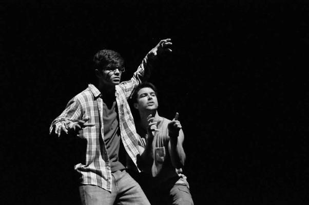 Os atores Bernardo Velasco e Arthur Aguiar Foto: Genilson coutinho