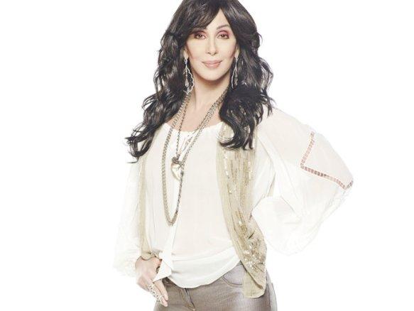 """Cher, 68 anos e 50 de estrada: """"Adoro estar diante de uma plateia""""(VEJA.com/Divulgação)"""
