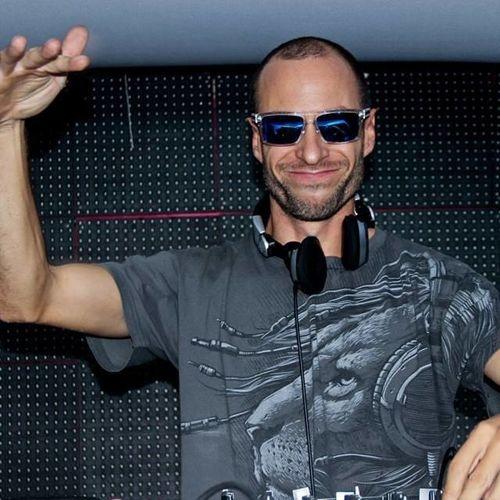 DJ-Demectron1