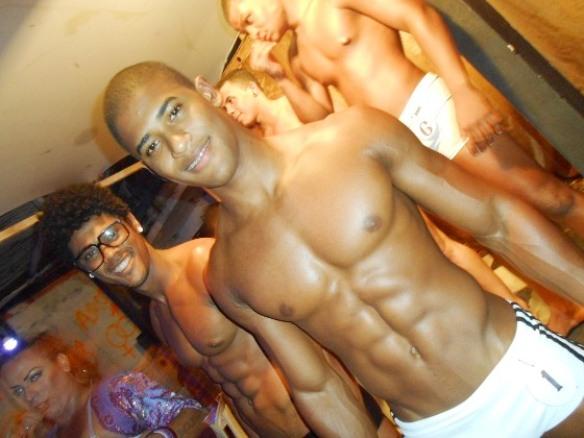 Wattson Santana, o primeiro à esquerda, é o grande vencedor do concurso Garoto Caras & Bocas 2014