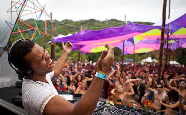 O DJ Divinori, do Soononmoon, é uma das atrações (Foto: Caroline Paternostro/ Divulgação)