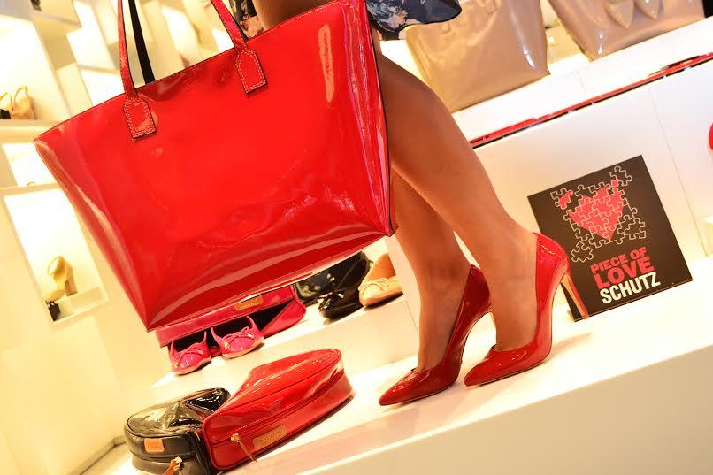 schutz - kit namorados com bolsa e sapato 2