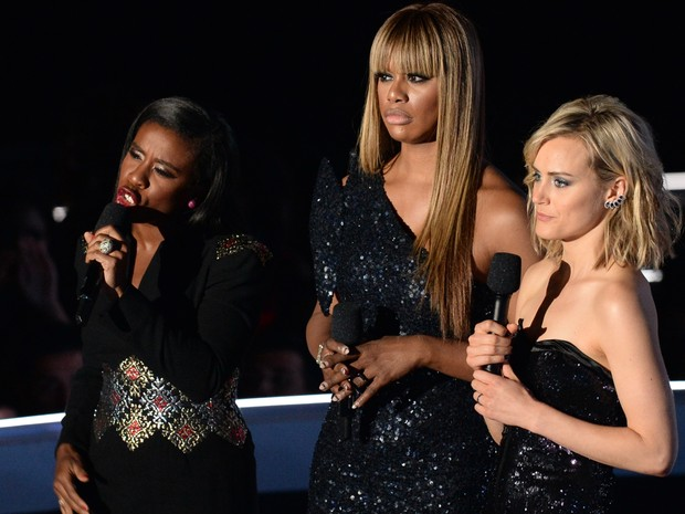 Atrizes Uzo Aduba, Laverne Cox e Taylor Schilling, de 'Orange is the New Black' (Foto: Robyn Beck/APF Photo)