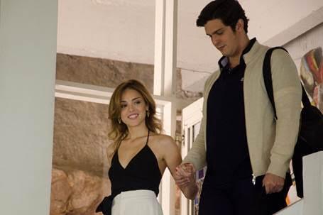 Longa é estrelado por Isabelle Drummond e Rafael Infante