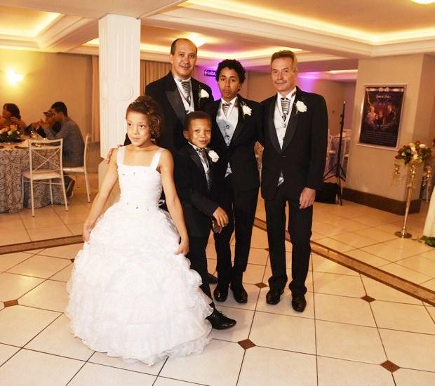 Toni, David e os três filhos: Alyson, Jéssica e Filipe (Foto: Arquivo pessoal)