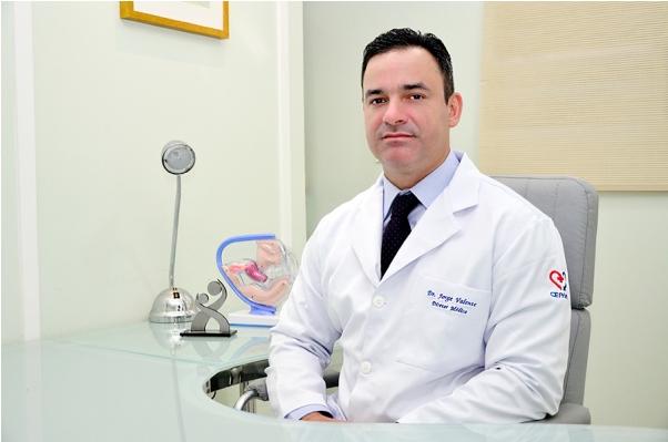 Dr. Jorge Valente