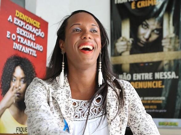 Paulete Furacão é a primeira travesti a assumir um cargo público da Secretaria de Justiça (Foto: Joá Souza l Ag. A TARDE)