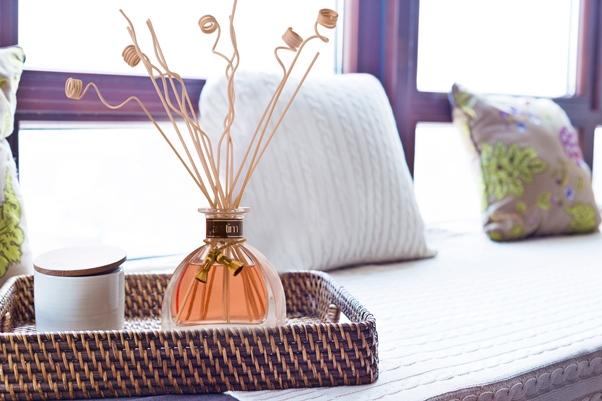 A marca criou uma fragrância inédita e um spa com massagens relaxantes dentro do camarote