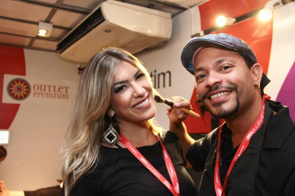 Lorena Improta cuidando da beleza (Foto: Divulgação)