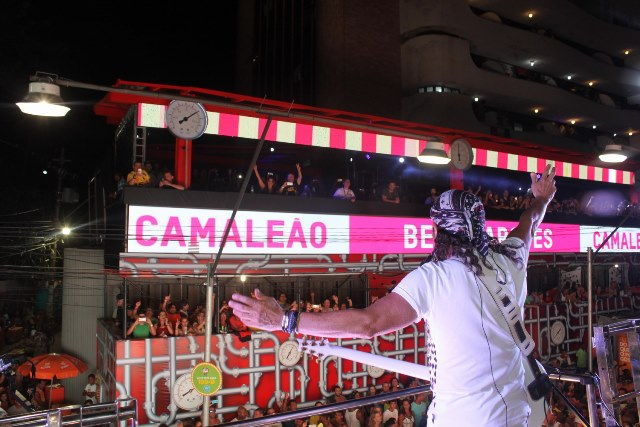 Bell Marques dá boas-vindas a Antônio Calloni (Foto: Veri Lopes / Ag FPontes)