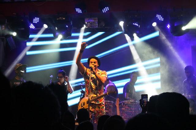 Alexandre Peixe em show no Camarote Bar Brahma (Foto: Veri Lopes/ Agência FPontes)
