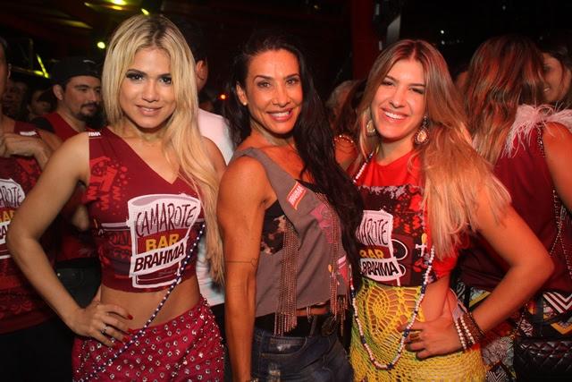 Encontro de dançarinas esquenta o Camarote Bar Brahma (Foto: Veri Lopes/ Agência FPontes)