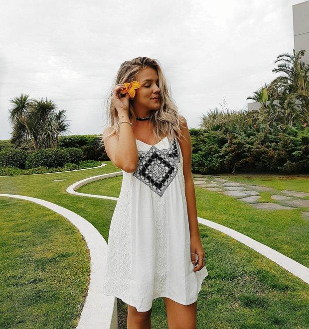 Gabi Lopes: blogueira marca presença na inauguração, sábado (3) (Foto: Reprodução/Instagram)