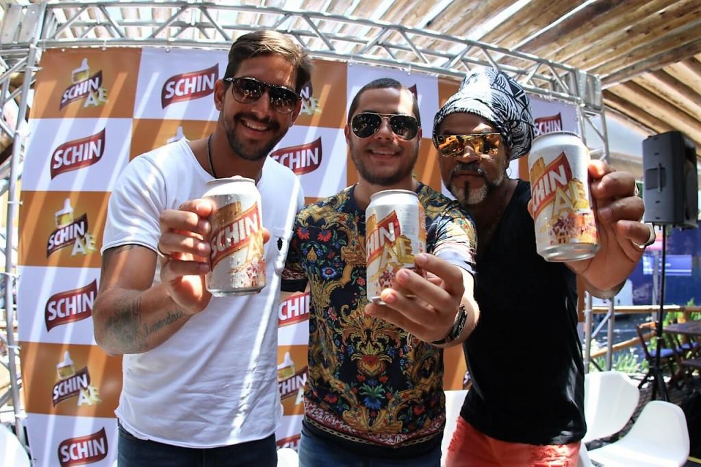 Felipe Pezzoni (E), Levi Lima, Carlinhos Brown_Div Mateus Ross
