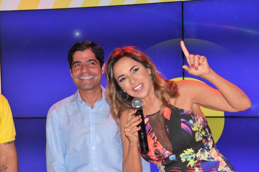 Daniela e Prefeito (Foto: Genilson Coutinho)