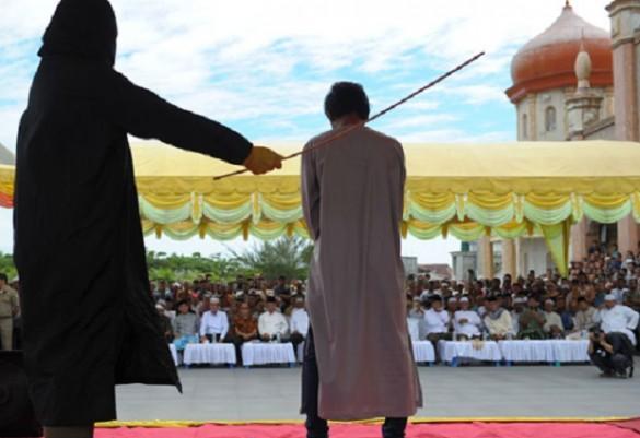 2017-04-08-indonesia-gays-condenados-585x401