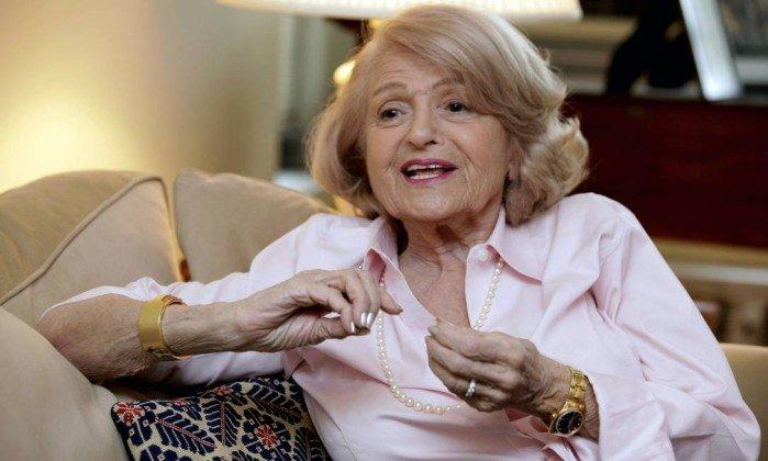 Edith Windsor, durante entrevista em 2012, em seu apartamento em Nova York - Richard Drew / AP/12-12-2012