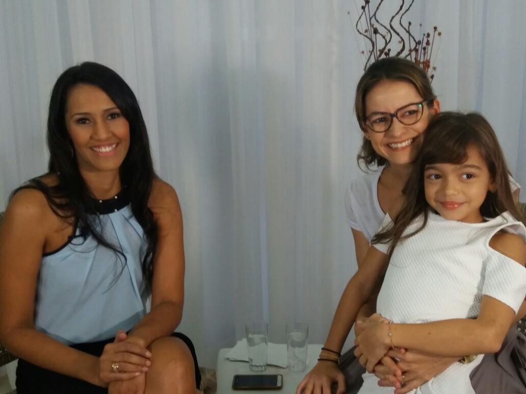 Vivi Andrade, Larissa Adami e sua filha (Foto: Divulgação)