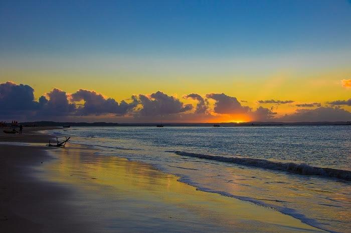 A Gamboa tem um dos mais belos pôr do sol (Foto: Elton Andrade)
